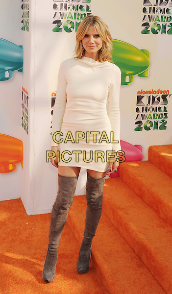 Heidi Klum.arriving at the 2012 Nickelodeon Kids' Choice Awards at Galen Center in Los Angeles, California, USA..March 31st, 2012.full length white long sleeve dress grey gray suede over the knee thigh otk high boots .CAP/ROT/TM.©Tony Michaels/Roth Stock/Capital Pictures