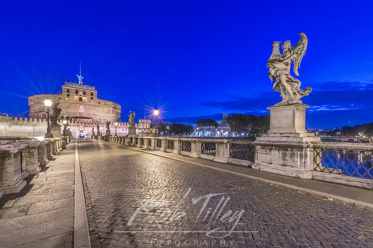 Europe, Italy, Rome,  Ponte Sant'Angelo at Dawn