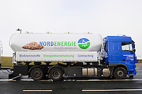 GERMANY transport of wood pellets, which are used for heating / DEUTSCHLAND, Transport von Holzpellets zum Heizen