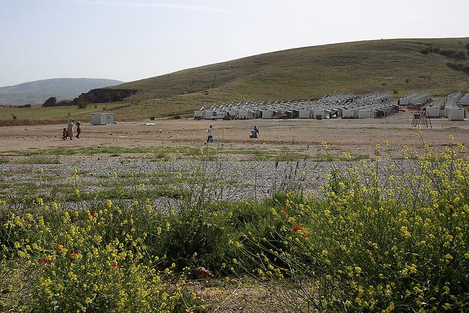 Koutsochero bei Larisa, mehrere Kilometer nördlich von Athen, Containerlager mit über 1.000 Menschen.