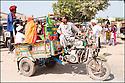 2006- Inde- sur la route de Vadodara.