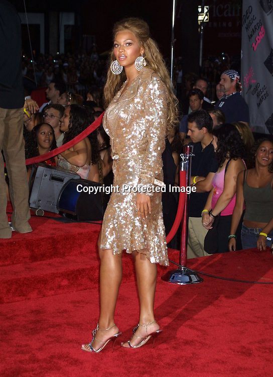 ©2003 ARIEL RAMEREZ / HUTCHINS PHOTO.MTV MUSIC VIDEO AWARDS.RADIO CITY MUSIC HALL.AUGUST 28, 2003.NEW YORK, NY, USA.BEYONCE KNOWLES