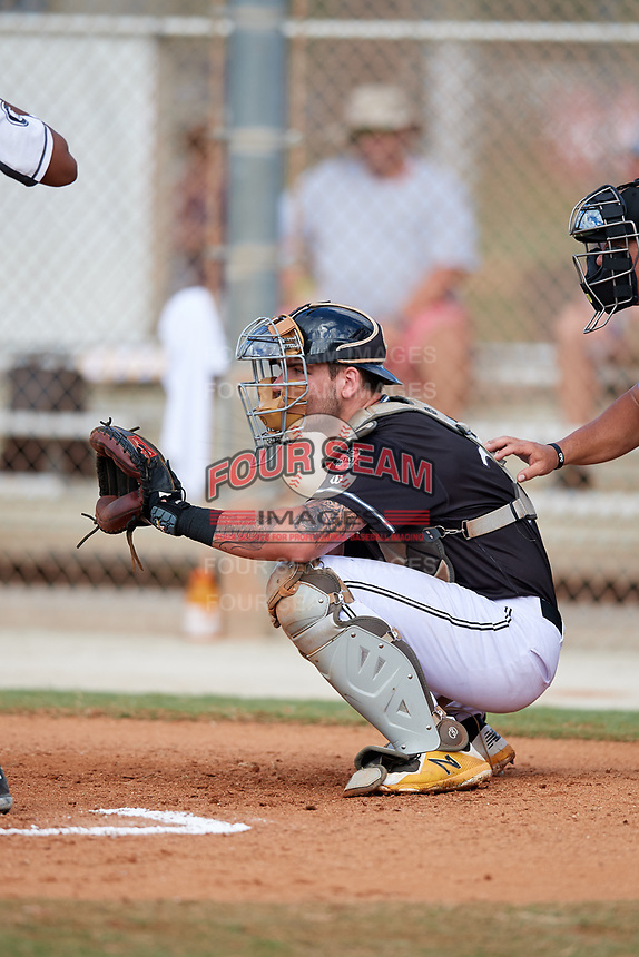 Hayden Travinski during the WWBA World Championship at the Roger Dean Complex on October 20, 2018 in Jupiter, Florida.  Hayden Travinski is a catcher from Shreveport, Louisiana who attends Airline High School and is committed to Louisiana State.  (Mike Janes/Four Seam Images)