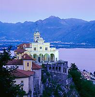 Schweiz, Tessin, Locarno am Lago Maggiore: Kirche Madonna del Sasso | Switzerland, Ticino, Locarno at Lago Maggiore: Church Madonna del Sasso