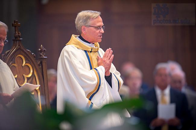 August 6, 2017; University President Rev. John I. Jenkins, C.S.C. celebrates a memorial Mass for former football coach Ara Parseghian. (Photo by Matt Cashore/University of Notre Dame)