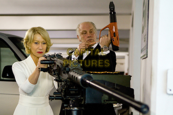HELEN MIRREN & JOHN MALKOVICH.in Red.*Filmstill - Editorial Use Only*.CAP/PLF.Supplied by Capital Pictures.