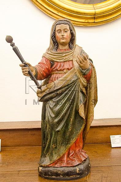 Nossa Senhora da Glória, século XVIII, madeira policromada, Minas Gerais. Acervo do Museu de Arte Sacra de São Paulo, São Paulo - SP, 02/2013.