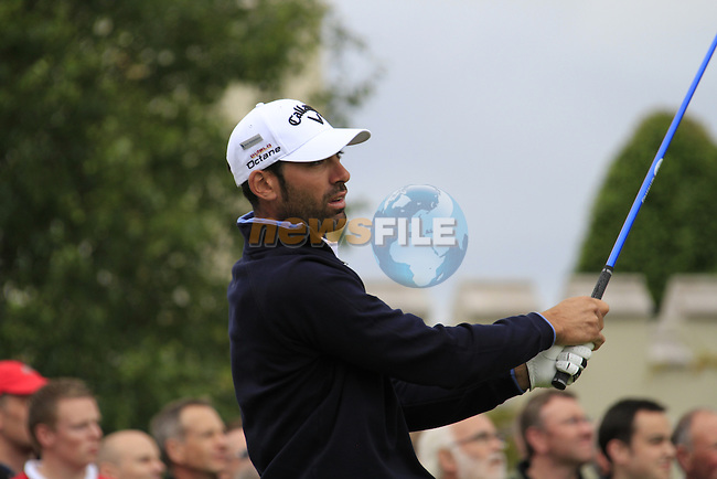 Alvaro Quiros (ESP) tees off on the 1st tee to start his round on Day 2 of the BMW PGA Championship Championship at, Wentworth Club, Surrey, England, 27th May 2011. (Photo Eoin Clarke/Golffile 2011)