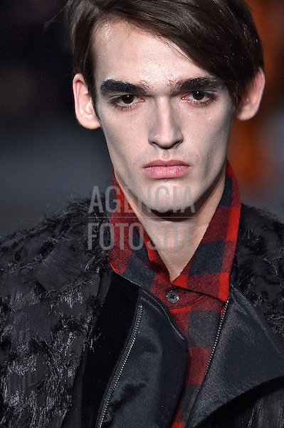 Ann Demeulemeester<br /> <br /> Paris Masculino - Inverno 2016<br /> <br /> <br /> foto: FOTOSITE