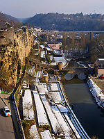 Bock-Kasematten, Br&uuml;cke Stierchen &uuml;ber Alzette, Teil der Wenzelsmauer, Luxemburg-City, Luxemburg, Europa, UNESCO-Weltkulturerbe<br /> Bock Casemate, Bridge Stierchen and Wenzelsmauer, Luxembourg City, Europe, UNESCO Heritage Site
