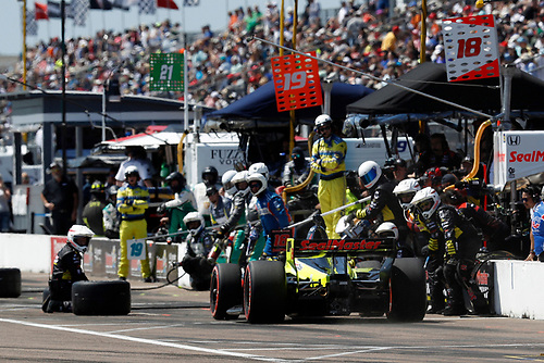 2018 Verizon IndyCar Series - Firestone Grand Prix of St. Petersburg<br /> St. Petersburg, FL USA<br /> Sunday 11 March 2018<br /> S&eacute;bastien Bourdais, Dale Coyne Racing with Vasser-Sullivan Honda, pit stop<br /> World Copyright: Michael L. Levitt<br /> LAT Images<br /> ref: Digital Image _01I3987