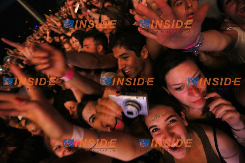 Green Day in concerto. Pubblico<br /> Roma 5/06/2013 Capannelle. Il Gruppo presenta il suo nuovo tour ' 99 Revolutions' al Postepay Rock In Roma. (Foto Marck Cape/ Insidefoto.)