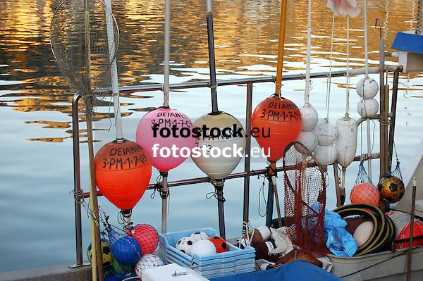 buoys on a fishing boat in Puerto de Soller<br /> <br /> balizas en un barco pesquero en Puerto de S&oacute;ller (cat.: Port Soller)<br /> <br /> Bojen auf einem Fischerboot in Puerto de S&oacute;ller<br /> <br /> 3730 x 2480 px