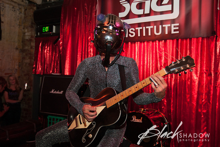 Bob Log III performing at Cherryfest, AC/DC Lane, Melbourne, 25 November 2012