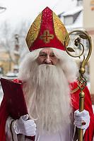 Europe/Allemagne/Bade-Würrtemberg/Forêt Noire/Haslach:  Défilé traditionnel avec l'âne: Biggeresel, coutume de la Saint Nicolas - Portrait Saint-Nicolas