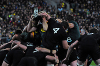 The Springboks maul towards the tryline  during the Rugby Championship match between the New Zealand All Blacks and South Africa Springboks at Westpac Stadium in Wellington, New Zealand on Saturday, 15 September 2018. Photo: Mike Moran / lintottphoto.co.nz