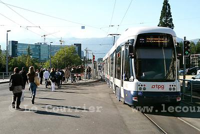 Genève, le 23.09.2008.Tram au avanchet..© Le Courrier / J.-P. Di Silvestro