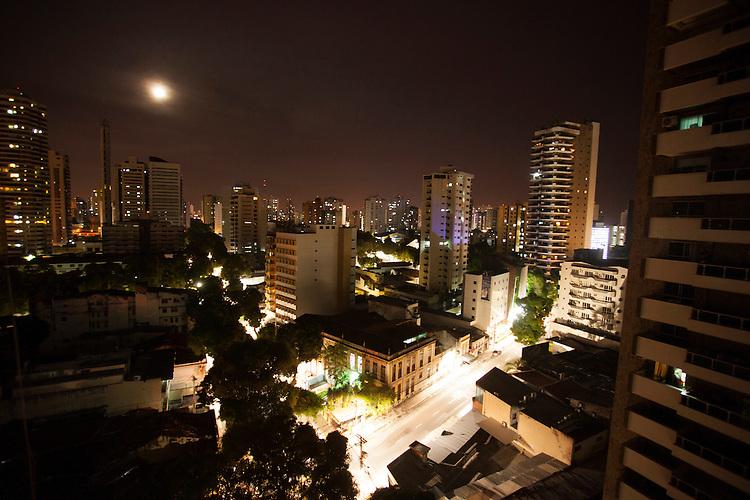 Vistas da rua dr. Moraes esquina com avenida nazaré bairro de nazaré.<br /> Belém, Pará, Brasil.<br /> Foto Paulo Santos<br /> 11/2014