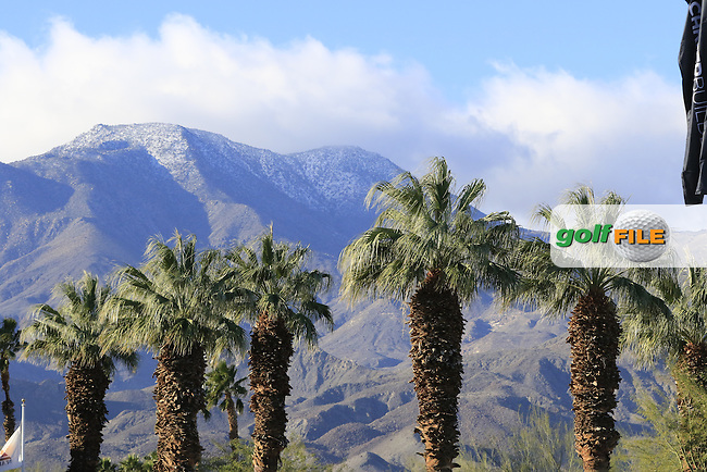 Palm trees and snow capped mountains during Saturday's Round 3 of the 2017 CareerBuilder Challenge held at PGA West, La Quinta, Palm Springs, California, USA.<br /> 21st January 2017.<br /> Picture: Eoin Clarke | Golffile<br /> <br /> <br /> All photos usage must carry mandatory copyright credit (&copy; Golffile | Eoin Clarke)