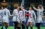 AMSTELVEEN -  Eva de Goede (A'dam) heeft gescoord  en viert het met oa Leiah Brigitha (A'dam) Lauren Stam (A'dam)  , Maria Verschoor (A'dam) , Kelly Jonker (A'dam)    tijdens de hoofdklasse competitiewedstrijd dames, Pinoke-Amsterdam (3-4). COPYRIGHT KOEN SUYK
