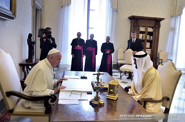 Pope Francis,and Crown Prince of Abu Dhabi and Deputy Supreme Commander of the UAE Armed Forces Sheikh Mohammed bin Zayed al-Nahyan on the occasion of their private audience, at the Vatican, Sept. 15, 2016.