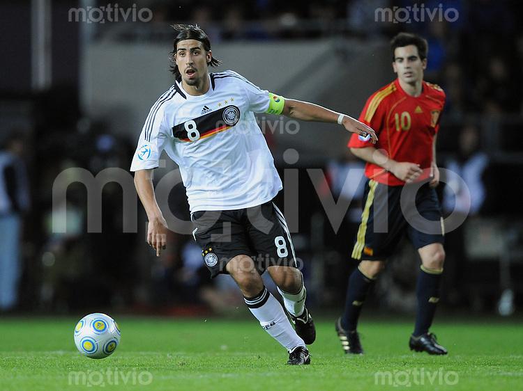 Fussball  International U 21 Europameisterschaft 2009 Spanien - Deutschland Sami Khedira (GER) am Ball