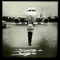 Flughafen Schoenefeld (SFX).<br /> 20.5.2015, Berlin<br /> Copyright: Christian-Ditsch.de<br /> [Inhaltsveraendernde Manipulation des Fotos nur nach ausdruecklicher Genehmigung des Fotografen. Vereinbarungen ueber Abtretung von Persoenlichkeitsrechten/Model Release der abgebildeten Person/Personen liegen nicht vor. NO MODEL RELEASE! Nur fuer Redaktionelle Zwecke. Don't publish without copyright Christian-Ditsch.de, Veroeffentlichung nur mit Fotografennennung, sowie gegen Honorar, MwSt. und Beleg. Konto: I N G - D i B a, IBAN DE58500105175400192269, BIC INGDDEFFXXX, Kontakt: post@christian-ditsch.de<br /> Bei der Bearbeitung der Dateiinformationen darf die Urheberkennzeichnung in den EXIF- und  IPTC-Daten nicht entfernt werden, diese sind in digitalen Medien nach &sect;95c UrhG rechtlich geschuetzt. Der Urhebervermerk wird gemaess &sect;13 UrhG verlangt.]
