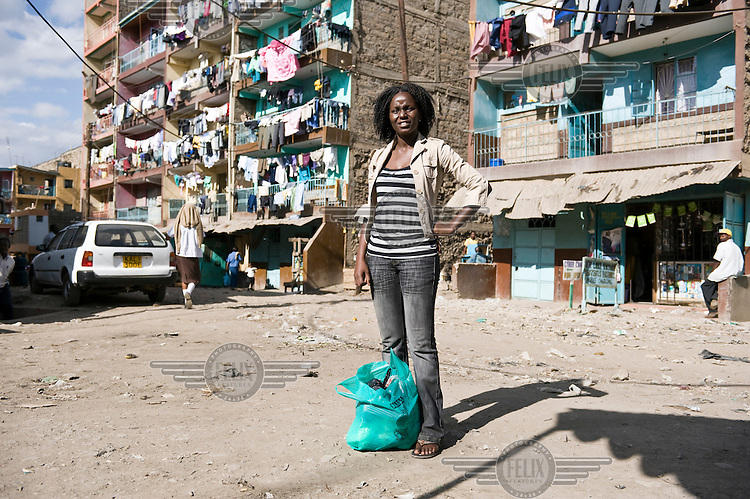 21 year old Doreen Nabwire is a football star in Kenya. She is one of the most talented midfielders in Africa, who will soon embark on an international career playing for a German club. She lives with her mother and younger siblings in Kariobangi-South, a densely populated area in the east of Nairobi.