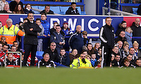 Pictured L-R: Managers Roberto Martinez of Everton and Garry Monk of Swansea. Sunday 16 February 2014<br />