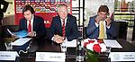 Nederland, Amsterdam, 14 juni 2012.Seizoen 2011/2012.De buitengewone aandeelhoudersvergadering van Ajax NV.(VLNR) De drie beoogde commissarissen Hans Wijers, Leo van Wijk en Theo van Duivenbode tijdens de buitengewone aandeelhoudersvergadering van Ajax. De aanwezige aandeelhouders mogen zich uitspreken over de voorgenomen benoeming van de commissarissen