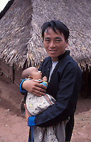 Laos, Udom Xai Province, Na Mor..Hmong father and child...Photo by Kees Metselaar, 2003