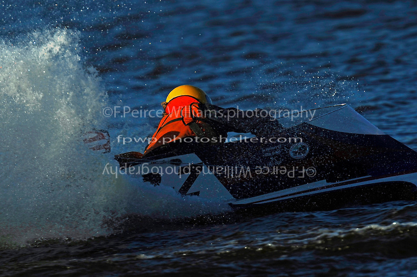 2-Z   (Outboard Hydroplane)
