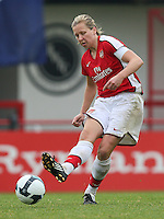 Jayne Ludlow of Arsenal - Arsenal Ladies vs Sparta Prague - UEFA Women's Champions League at Boreham Wood FC - 11/11/09 - MANDATORY CREDIT: Gavin Ellis/TGSPHOTO - Self billing applies where appropriate - Tel: 0845 094 6026