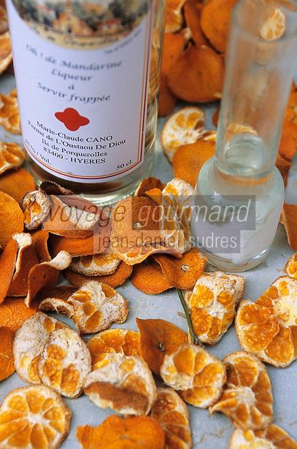 Europe/Provence-Alpes-Côte d'Azur/83/Var/Iles d'Hyères/Ile de Porquerolles: Liqueur de mandarine de Marie-Claude Cano de la ferme de l'Oustaou de Diou - Saveurs des Vergers
