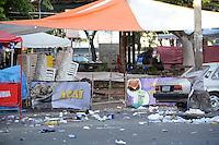 RIO DE JANEIRO,RJ - 10.02.2016 - CARNAVAL-RJ - Lixo acumulado é visto no centro da cidade do Rio de Janeiro nesta quarta-feira, 10. (Foto: Jorge Hely/Brazil Photo Press)