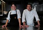 La Chef mejicana Amanecer Ramirez (I) junto a Jordi Roca (D) del Restaurante El Celler de Can Roca