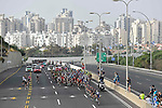 The peleton in action during Stage 2 of the 101st edition of the Giro d'Italia 2018 running 167km from Haifa to Tel Aviv, Israel. 5th May 2018.<br /> Picture: LaPresse/Fabio Ferrari | Cyclefile<br /> <br /> <br /> All photos usage must carry mandatory copyright credit (&copy; Cyclefile | LaPresse/Fabio Ferrari)