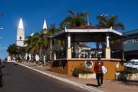 Campanha_MG, Brasil...Praca Dom Ferrao com a catedral de Santo Antonio ao fundo, na cidade de Campanha...Dom Ferrao square with the Santo Antonio cathedral in the background in Campanha...Foto: MARCUS DESIMONI / NITRO
