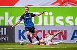 nph00351:  Fussball, 1. Bundesliga, Saison 19/20, 26. Spieltag, Fortuna Düsseldorf - FC Paderborn 07, 16.05.2020: Dennis Srbeny (SC Paderborn 07, l.) im Zweikampf mit Andre Hoffmann (Fortuna Düsseldorf).<br /> <br /> Foto: Moritz Müller/Pool /Verbreitung via Meuter/nordphoto<br /> <br /> Nur für journalistische Zwecke! Only for editorial use!<br /> <br /> Gemäß den Vorgaben der DFL Deutsche Fußball Liga ist es untersagt, in dem Stadion und/oder vom Spiel angefertigte Fotoaufnahmen in Form von Sequenzbildern und/oder videoähnlichen Fotostrecken zu verwerten bzw. verwerten zu lassen. DFL regulations prohibit any use of photographs as image sequences and/or quasi-video.