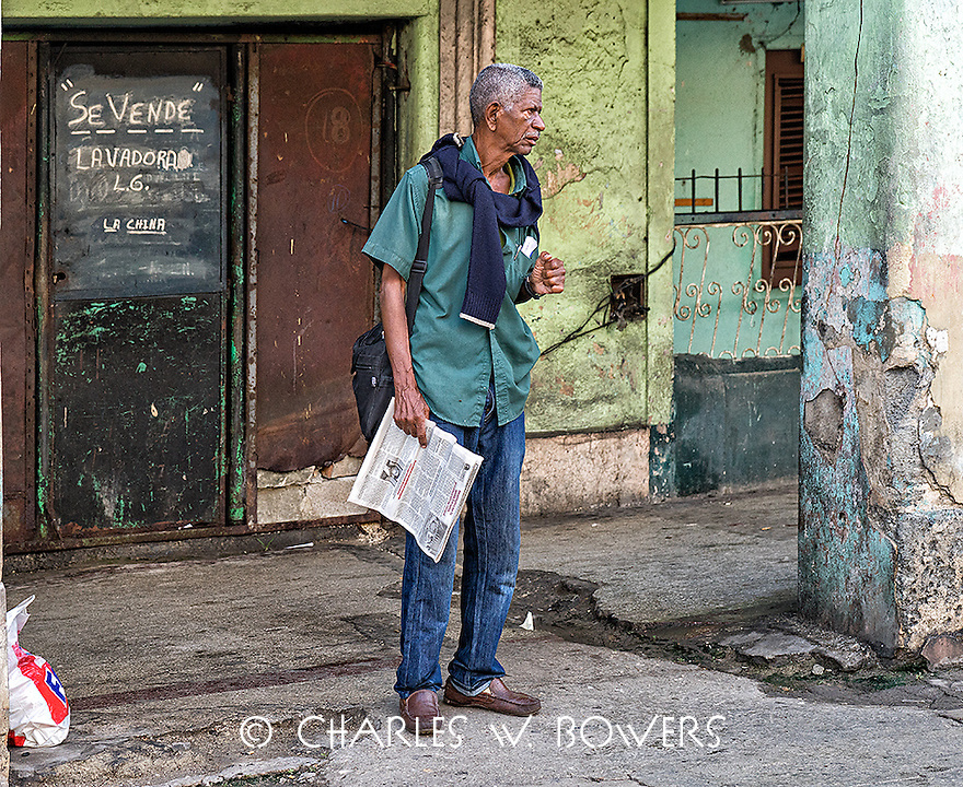 Faces Of Cuba - Waiting of the bus I sold it!<br />