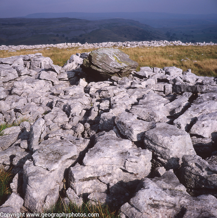 AJEM6C Limestone pavement Yorkshire Dales national park England