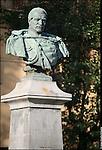 Ivrea (To). Monumento al generale Perrone di San Martino (piazza Perrone)