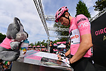 Race leader Maglia Rosa Tom Dumoulin (NED) Team Sunweb at sign on before the start of Stage 16 of the 100th edition of the Giro d'Italia 2017, running 222km from Rovetta to Bormio, Italy. 23rd May 2017.<br /> Picture: LaPresse/Gian Mattia D'Alberto | Cyclefile<br /> <br /> <br /> All photos usage must carry mandatory copyright credit (&copy; Cyclefile | LaPresse/Gian Mattia D'Alberto)