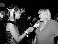 ID :  pr_000830C_99<br /> Danielle Ouimet, entrevue TV<br /> RÈception Alliance, 737 (PVM) le 30 ao°t 2000<br /> MENTION OBLIGATOIRE :  © Pierre Roussel, 2000