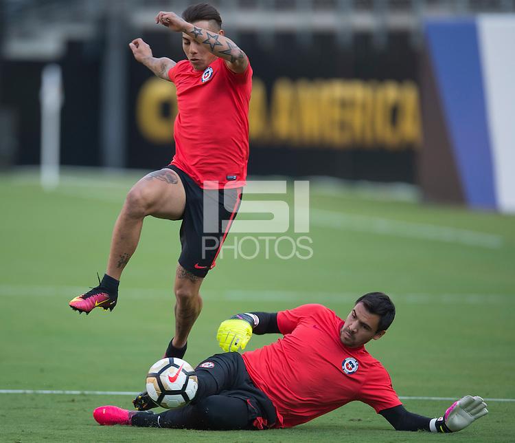 Photo during Chile training Copa America Centenario USA 2016.--- Foto de accion durante el entrenamiento de Chile, previo a la Gran final de Copa America Centenario USA 2016, en la foto: Eduardo Vargas<br /> ---25/06/2016/ MEXSPORT/ Javier Ramirez.