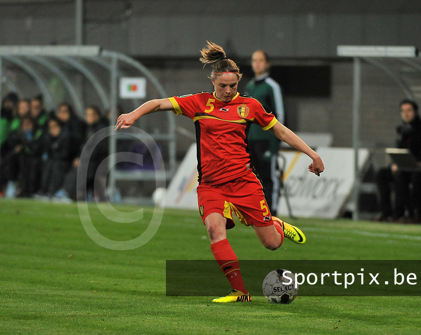 20131031 - ANTWERPEN , BELGIUM : Belgian Lorca Van De Putte pictured during the female soccer match between Belgium and Portugal , on the fourth matchday in group 5 of the UEFA qualifying round to the FIFA Women World Cup in Canada 2015 at Het Kiel stadium , Antwerp . Thursday 31st October 2013. PHOTO DAVID CATRY