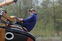SKUTSJESILEN: FRYSLAN: SKS Skûtsjesilen 2014, Schipper Skûtsje Drachten, schipper Jeroen Pietersma, ©foto Martin de Jong