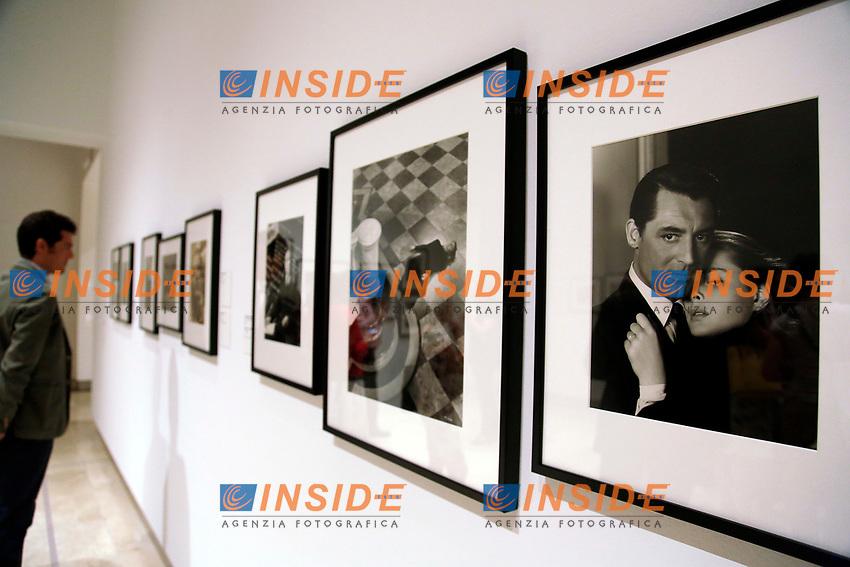 Cary Grant e Ingrid Bergman<br /> Roma 23/06/2017. Palazzo delle Esposizioni. Mostra 'Hollywood Icons', 160 ritratti dei piu' grandi attori della storia di Hollywood dagli anni '20 in poi.<br /> Rome June 23rd 2017. Photography Exhibition 'Hollywood Icons', 160 portraits of the most famous Hollywood stars of the last century, since the silent films of the 20's.<br /> Foto Samantha Zucchi Insidefoto