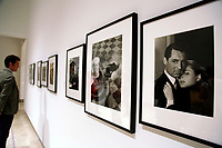 Cary Grant e Ingrid Bergman<br /> Roma 23/06/2017. Palazzo delle Esposizioni. Mostra 'Hollywood Icons', 160 ritratti dei piu' grandi attori della storia di Hollywood dagli anni '20 in poi.<br /> Rome June 23rd 2017. Photography Exhibition 'Hollywood Icons', 160 portraits of the most famous Hollywood stars of the last century, since the silent films of the 20's.<br /> Foto Samantha Zucchi Insidefoto