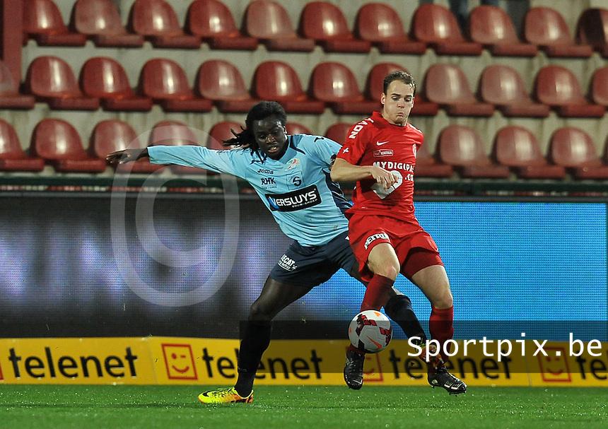 KV Kortrijk - KV Oostende : Jordan Lukaku in duel met Brecht Capon (rechts)<br /> foto VDB / Bart Vandenbroucke